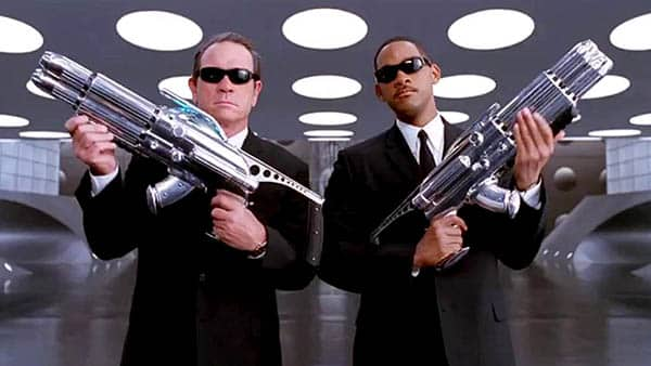 men in black - tommy lee jones and will smith wield some big guns - best buddy cop movies ever